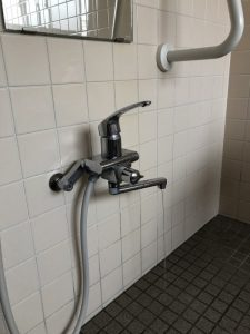 壁付のお風呂の蛇口水漏れ 大阪府 茨木市