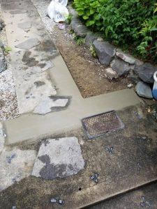 水が湧き出してくるのです!! 茨木市