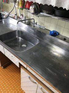 台所の裏から水漏れが・・・。 吹田市
