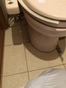 吹田市 トイレの交換工事です。TOTO 一体型トイレ