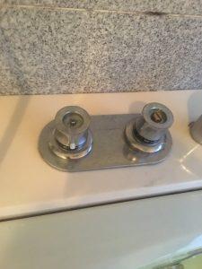 吹田市 千里山西 浴槽デッキ水栓の水が止まらなくなった。 蛇口の止水作業