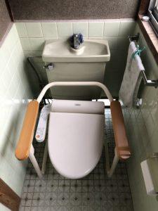 枚方市 トイレ交換工事 排水移設有