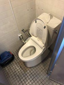箕面市 トイレに物を落としたかも? 便器取り外し 詰まり直します