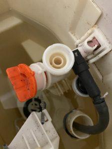 尼崎市 TOTO SHタンク水漏れ 排水弁の交換
