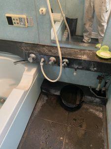 豊中市 お風呂カウンター埋め込み水栓から壁付蛇口に ミズタニ ミカド