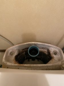 枚方市 INAXのトイレの部品がなくなった ゴム玉応急修理