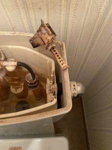 枚方市 トイレが流れなくなった レバーが破損している