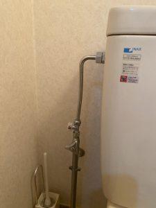 枚方市 温水暖房便座取り外し フレキパイプ接続