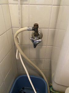 大阪市 東住吉区 トイレのパイプ水漏れ 止水栓修理