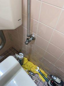 寝屋川市 ウォシュレット水漏れ TOTO ウォシュレット交換