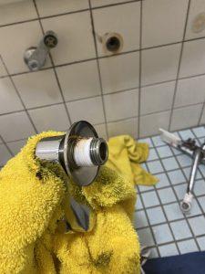 高槻市 お風呂の蛇口から水漏れ 偏心管水漏れ