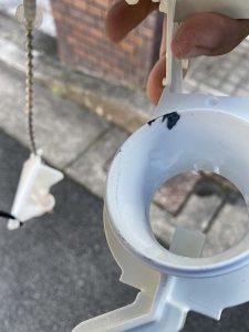 豊中市 TOTO SH61 トイレ水漏れ修理 排水弁交換