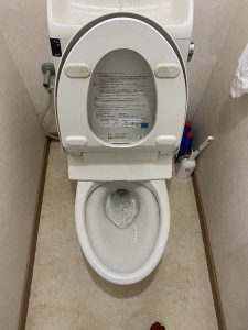 豊中市 トイレ詰まり 物を落とした? 便器取り外し