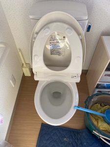 豊中市 トイレ詰まり 便器取り外し パットが落ちてる?