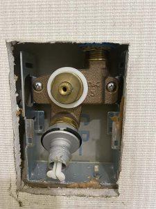 東大阪市 洗濯蛇口水漏れ TBC タブチ 埋め込み水栓修理