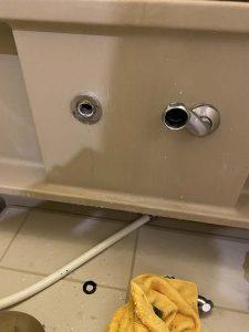 豊中市 お風呂の蛇口の水漏れ 2ハンドルからサーモスタット