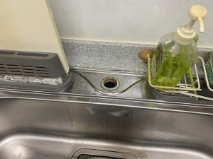 尼崎市 台所の下が水浸し 蛇口水漏れ 蛇口交換