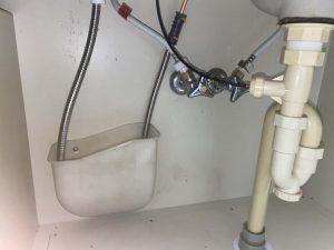 吹田市 洗面蛇口水漏れ 洗面の下が水浸しになる 蛇口交換 ハンドシャワータイプ