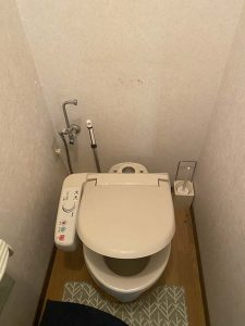 高槻市 トイレの水漏れ INAX サイフォン折れてる トイレの水が止まらない