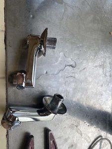 宝塚市 台所蛇口水漏れ 壁に水漏れ?