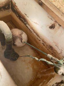 東大阪市 トイレ水が止まらない? 昔のトイレ ハイタンク修理