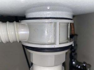 豊中市 洗面排水破損 排水から水漏れ