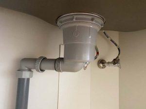 守口市 排水栓水漏れ キッチンの提灯みたいなところから水漏れ