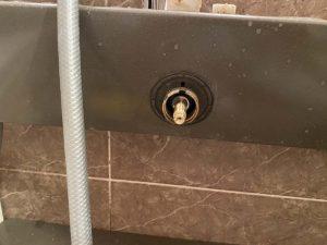 大東市 お風呂の温度調整不良 サーモスタット交換 INAX 埋め込み水栓