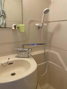 尼崎市 お風呂の蛇口水漏れ 台付き2ホール ユニットバス 2ハンドル