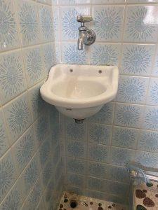 大阪市 トイレ手洗い器交換 排水が落ちてしまった 小さい手洗い器
