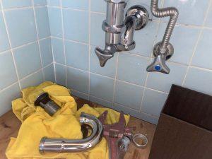 高槻市 洗面排水詰まり 排水トラップ交換 壁排水 p排水