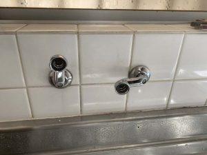 伊丹市 台所蛇口交換 突き出し ザルボ交換 壁付シングルレバー