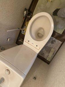 西宮市 トイレ水漏れ トイレの床に水 ウォシュレット水漏れ
