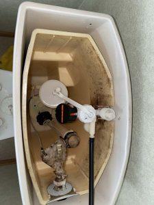 伊丹市 SHタンクボールタップ交換 タンクの裏から水もれ 水が止まらない