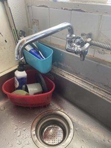 尼崎市 台所蛇口水漏れ ポタポタ 単水栓 横自在水栓交換